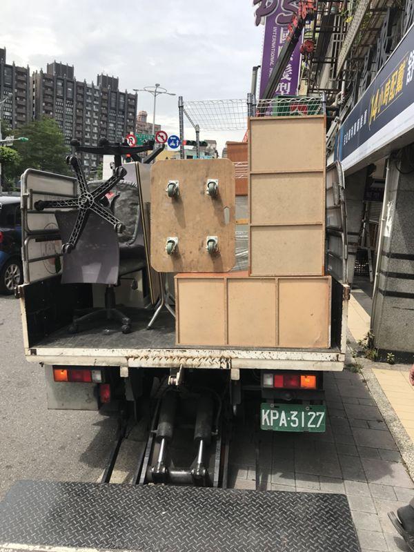 台北搬家案例.信義房屋大直店喬遷4