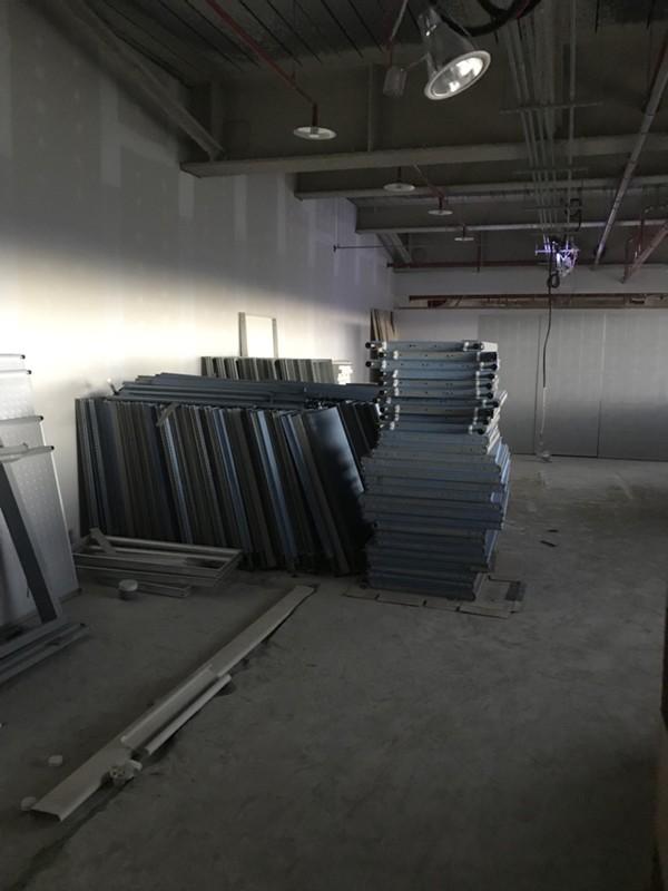 新北市搬家案例.搬運企業捐贈的辦公用品至新莊輔大附醫4
